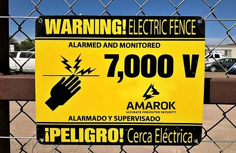 Amarok Warning Sign PELIGRO