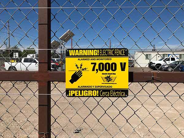 united-rentals-fence-warning